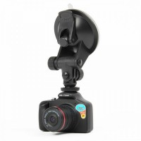 "Q8 12MP CMOS Wide Angle Car DVR Camcorder w/ TF (1.5"" LCD)"