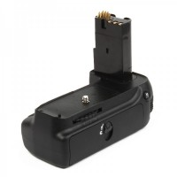 TRAVOR Multi-Power Battery Grip for Nikon D80 / D90