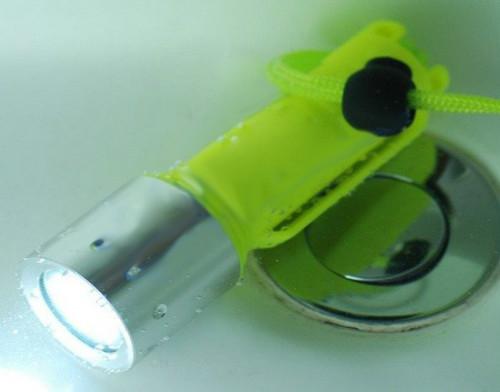 CREE XM-L T6 LED 800 Lumen Diving Flashlight Portable LED Diving Torch Light Head Rotation Yellow