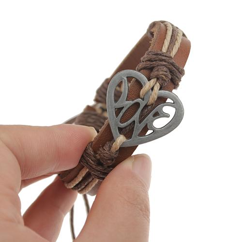 Hollowed Craft Heart Decor Cowhide Bracelet